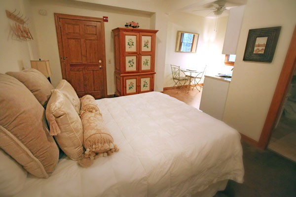 Premium Room 15 Bed and Kitchenette